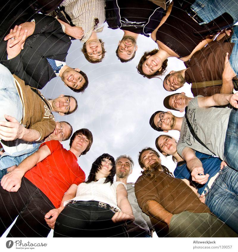 BLN 08 | Usertreffen Mensch Freude Menschengruppe Freundschaft Freizeit & Hobby Kreis rund Umwelt Gefühle Strukturen & Formen Gruppenfoto