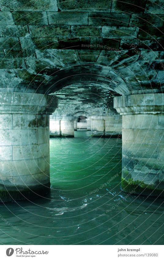 under the bridge Wasser alt grün Stein Wasserfahrzeug Brücke Fluss Paris Frankreich Bach Säule Seine Bootsfahrt