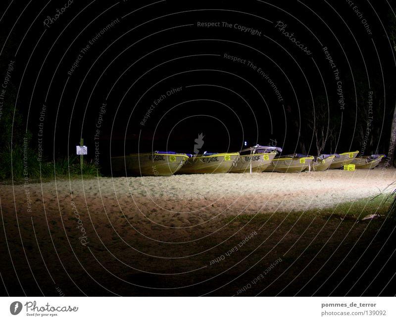 nachts am lake Strand ruhig dunkel See Wasserfahrzeug Australien Nationalpark