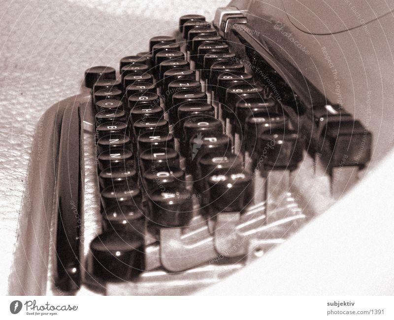 Olivetti 2 Dinge schreiben Text Schreibmaschine