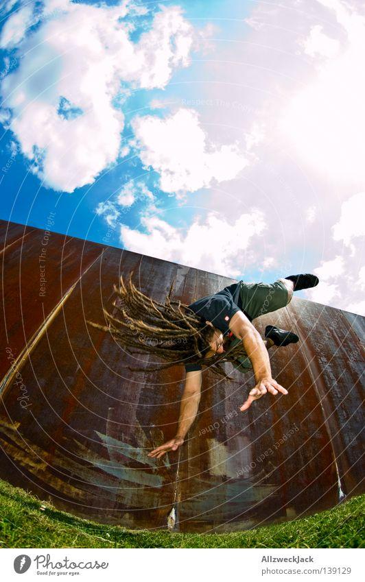 BLN 08 | Flying Dreadman 2 Fotografieren Rolle Überschlag Stunt Rastalocken Freude Funsport Vogel photocase usertreffen Berlin Hauptstadt mathias the dread