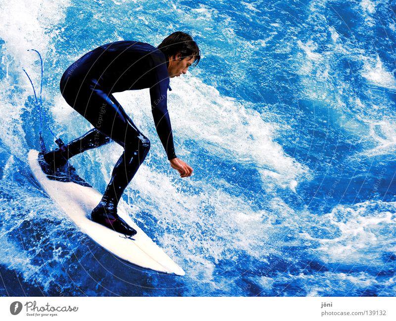 Surfer in den Wellen Mann Natur Jugendliche Wasser blau schön Sonne Ferien & Urlaub & Reisen Sommer Freude Strand Meer Farbe Sport Freiheit Holz