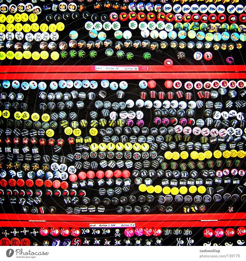 six for a fiver Anstecker Kultur obskur Ausstellung Messe badges sammler pins for sale collector Musikfestival culture Sammlung