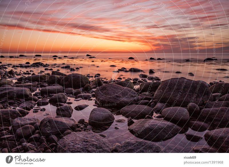 Sonnenuntergang an der Ostseeküste Erholung Ferien & Urlaub & Reisen Insel Natur Landschaft Felsen Küste Meer Stein blau Romantik Idylle ruhig Tourismus