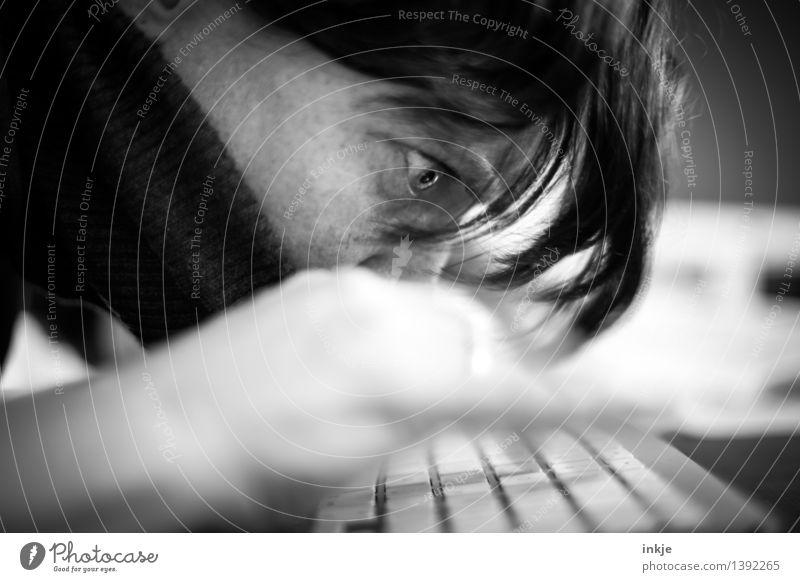 maniac Lifestyle Freizeit & Hobby Schriftsteller Büro Computer Tastatur Unterhaltungselektronik Internet Frau Erwachsene Leben Gesicht 1 Mensch schreien