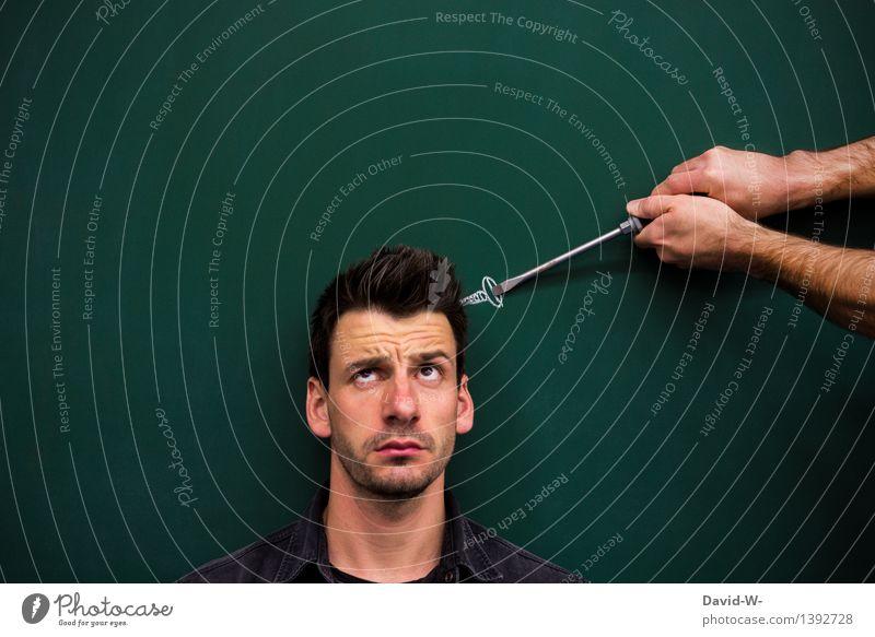 Schraube locker? kein Problem... Hilfe hilfestellung helfende Hand Kopf fragend Blick verwirrt durcheinander Mann