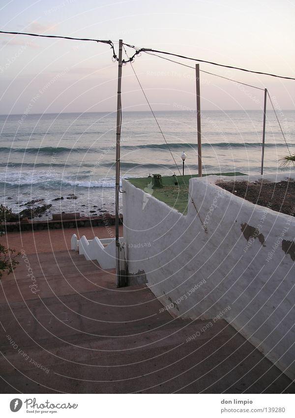 (ohne Titel) Meer Wellen Treppe Afrika Digitalfotografie Rauschen