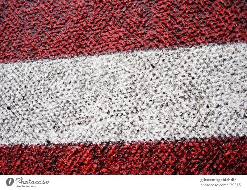 Bitumenflagge weiß rot Straße Verkehr Verkehrswege Straßenbelag 30er Zone