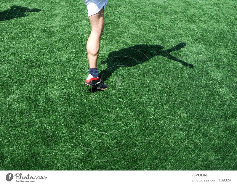 Nurmi IV Sport Bewegung Beine Fuß Haut Rasen Hose Muskulatur Knie Schuhe Wade Ballsport Kick Fußballschuhe Turnhose