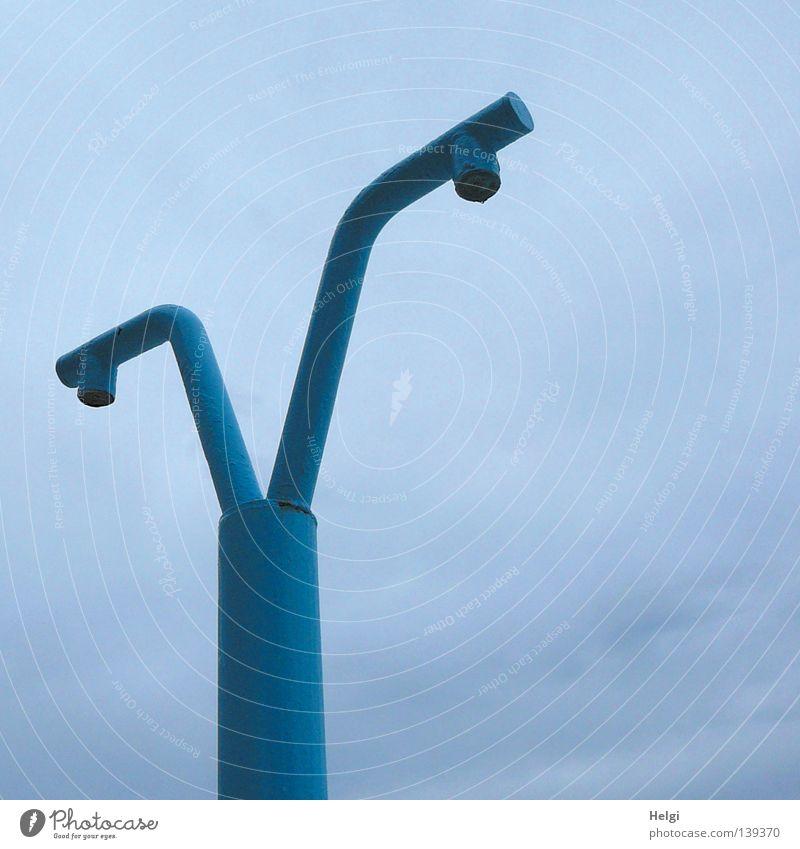doppelduschen... Himmel blau Ferien & Urlaub & Reisen weiß Sommer Strand Wolken Erholung Küste grau Farbstoff Linie Wind Arme Insel nass