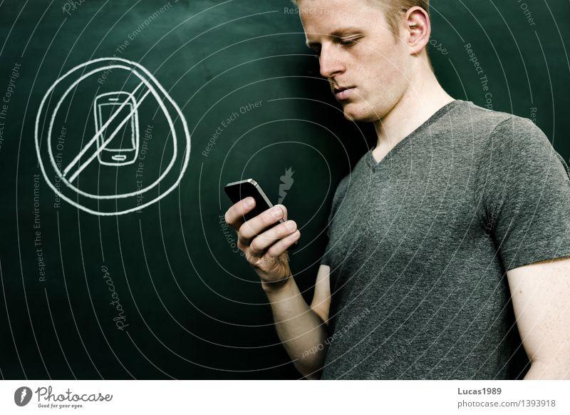 Handysucht Mensch Jugendliche Mann Junger Mann 18-30 Jahre Erwachsene Schule maskulin 13-18 Jahre Kommunizieren lernen Telekommunikation Studium Bildung T-Shirt schreiben