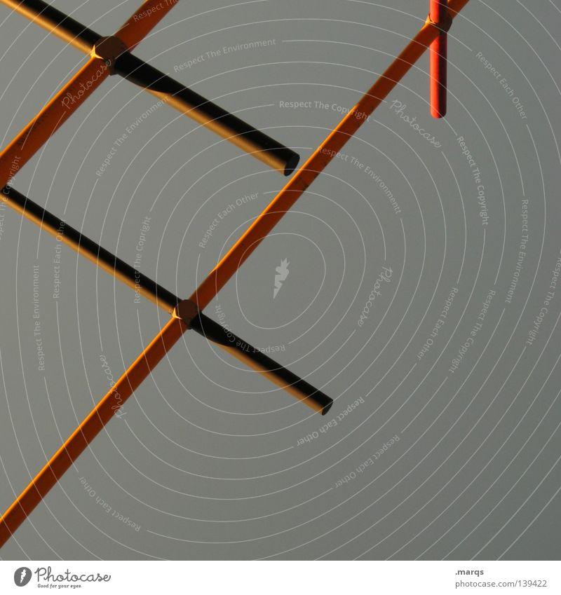 # kreuzen sehr wenige quer Geometrie eigenwillig Schatten abstrakt rot gelb grau Architektur obskur Linie Rücken cross Stern (Symbol) x Baugerüst abstrahiert
