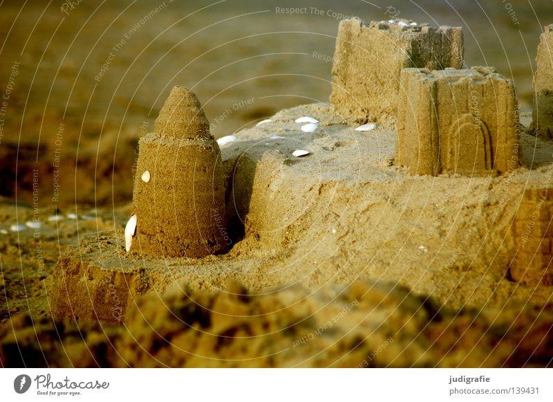 Sommer Strand Ferien & Urlaub & Reisen Haus Farbe Erholung Spielen Wärme Sand Küste Turm Physik Kindheit Ostsee bauen Muschel Nordsee