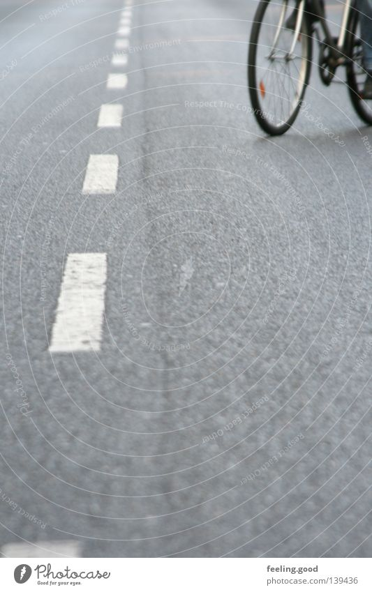 Na super Fahrrad Zufall lang weiß grau Mann langsam Verkehrswege Straße