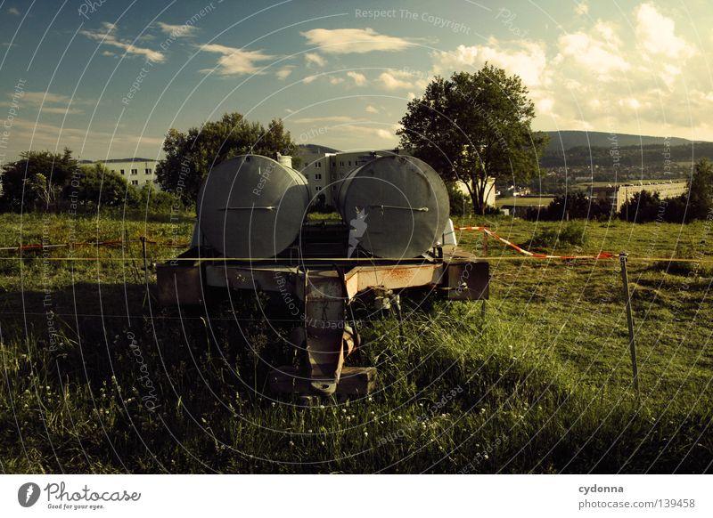 Ländlich am Stadtrand Himmel Natur grün Wasser Landschaft Leben Wiese Ernährung Platz Industrie Spaziergang Landwirtschaft Zaun Weide Dorf Grenze