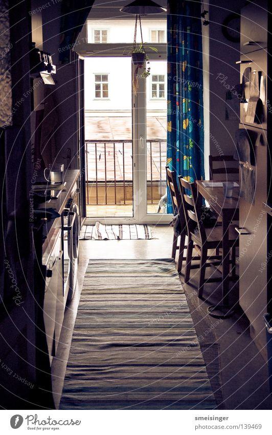 Mitbewohner gesucht Küche Teppich Wohnung Innenaufnahme Kühlschrank Stuhl Sessel Vorhang Geschirrspülen Gegenlicht dunkel Balkon Möbel Frieden Balkontüre Ikea