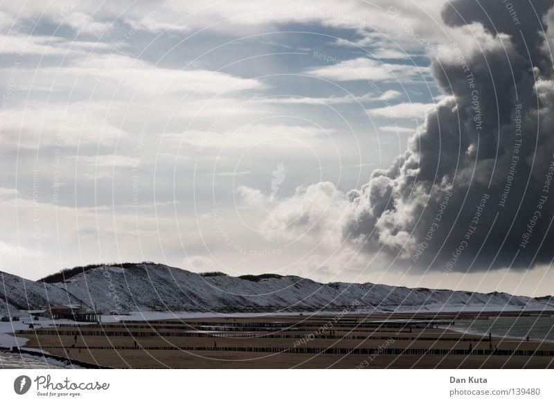 Lebensweg Einsamkeit Frustration Trauer Sorge Wolken Lamm mehrere Einigkeit grau böse Unwetter Sturm Apokalypse untergehen Oberfläche Belgien Niederlande rechts