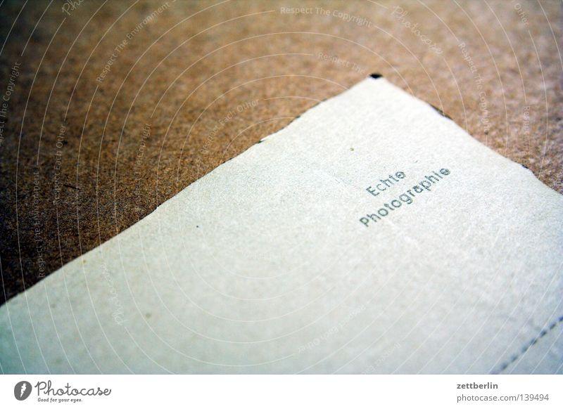 Echte Photographie Fotografie Rückseite Post Typographie authentisch Qualität vergilbt Baryt Fotolabor Kommunizieren Buchstaben Schriftzeichen Postkarte
