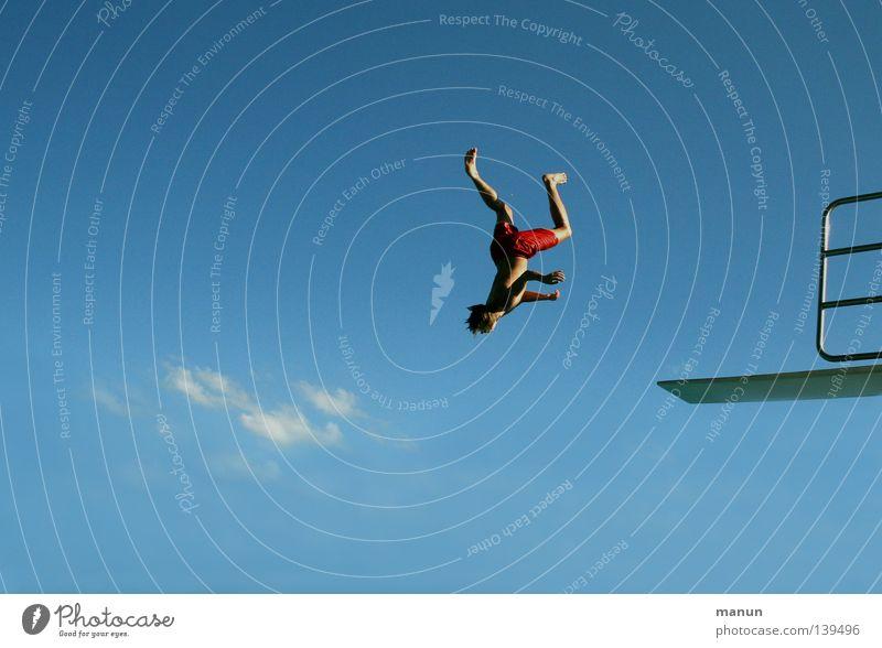 head first Himmel Mann Jugendliche blau weiß Sommer Freude Wolken schwarz Erwachsene Sport Junge Bewegung Freiheit springen Luft