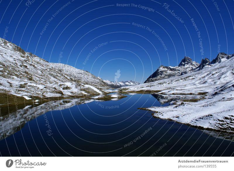 Heile Welt See Österreich Spiegelbild harmonisch ruhig Erholung Außenaufnahme Berge u. Gebirge Landschaft blau Schnee Himmel Freiheit Frieden