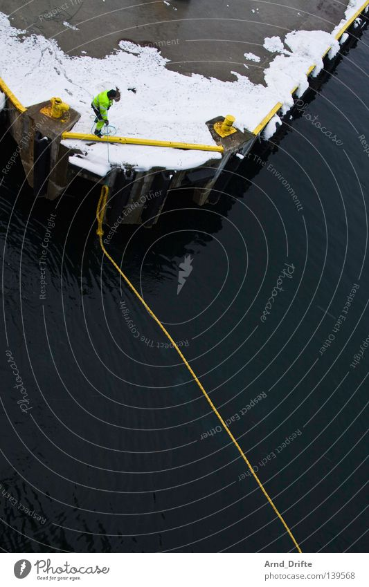 Leinen los Wasser Himmel Meer Winter kalt Schnee Berge u. Gebirge See Eis Wasserfahrzeug Wellen Seil Industrie Hafen Anlegestelle Schifffahrt