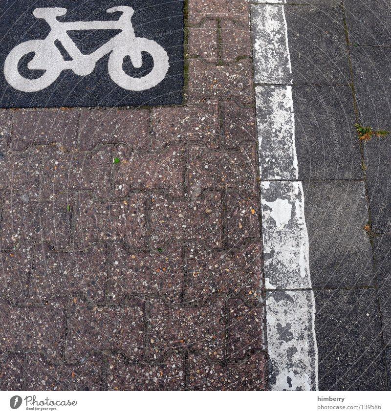 bike lane Asphalt Bürgersteig Fahrradweg Motorradfahrer gestalten Design Stil Radrennen Straßenbau Stadt Fahrbahn Verkehrswege Spielen Detailaufnahme tarmac