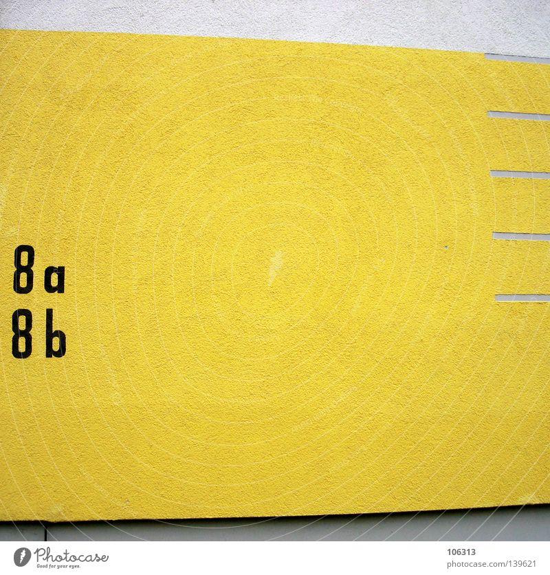 I MEAN - THIS IS PHOTOCASE weiß gelb Farbe Wand Linie 2 Hintergrundbild Schilder & Markierungen verrückt Ordnung Coolness Schriftzeichen Ziffern & Zahlen Buchstaben Häusliches Leben Eingang