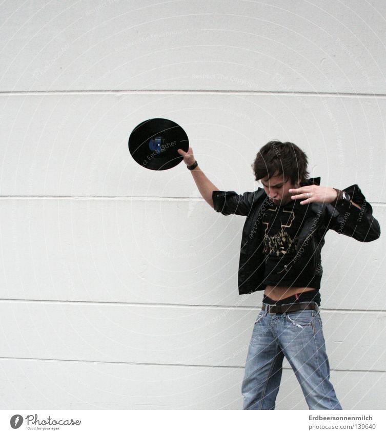 dance! to my song Mann weiß Freude schwarz Leben Wand Gefühle Bewegung springen Musik Jeanshose Konzert Verkehrswege Typ Schallplatte