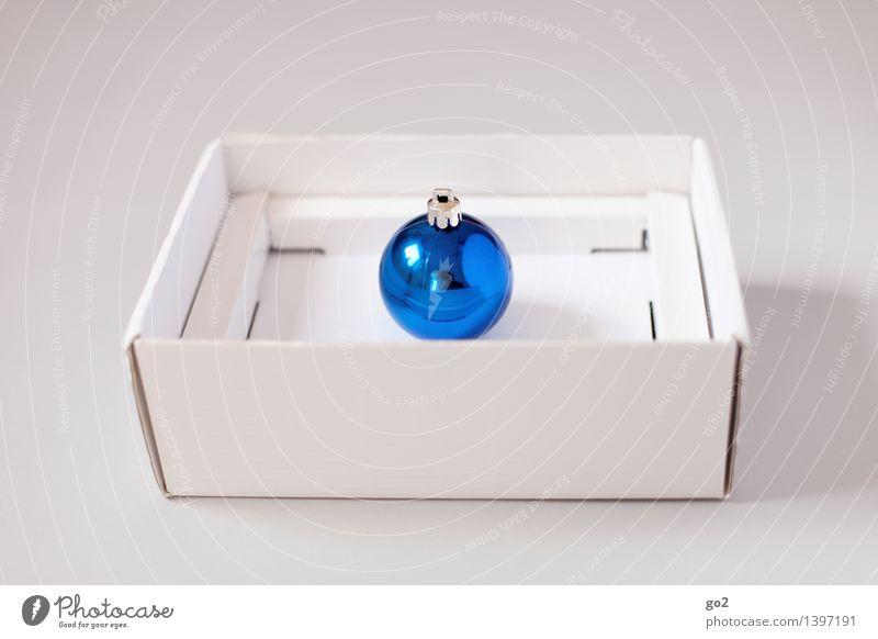 Weihnachtskugel Blau blau Weihnachten & Advent weiß Design ästhetisch Geschenk einfach Überraschung Vorfreude Verpackung Karton Christbaumkugel Verpackungsmaterial