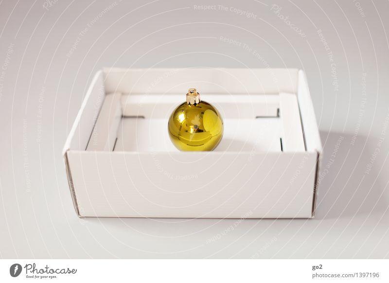 Weihnachtskugel Gold Weihnachten & Advent Geschenk Verpackung Verpackungsmaterial Christbaumkugel Karton ästhetisch einfach gelb gold weiß Vorfreude Design