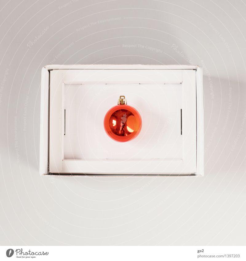 Alle Jahre wieder Weihnachten & Advent Christbaumkugel Geschenk Karton Verpackung Paket ästhetisch orange Vorfreude Design Überraschung Farbfoto Innenaufnahme