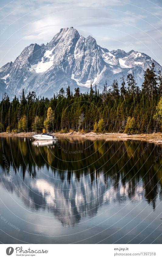 Freizeitgestaltung Ferien & Urlaub & Reisen Tourismus Ausflug Freiheit Berge u. Gebirge Natur Landschaft Himmel Wald Gipfel Schneebedeckte Gipfel Seeufer