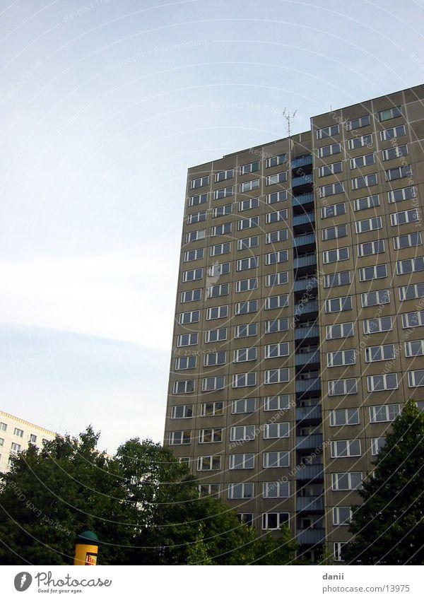 Hochhaus Fenster Gebäude Architektur trist Etage