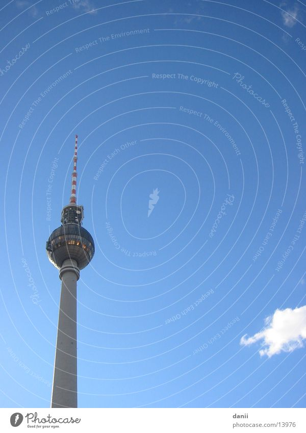 Schönes Wetter in Berlin Himmel Berlin Architektur hoch Berliner Fernsehturm
