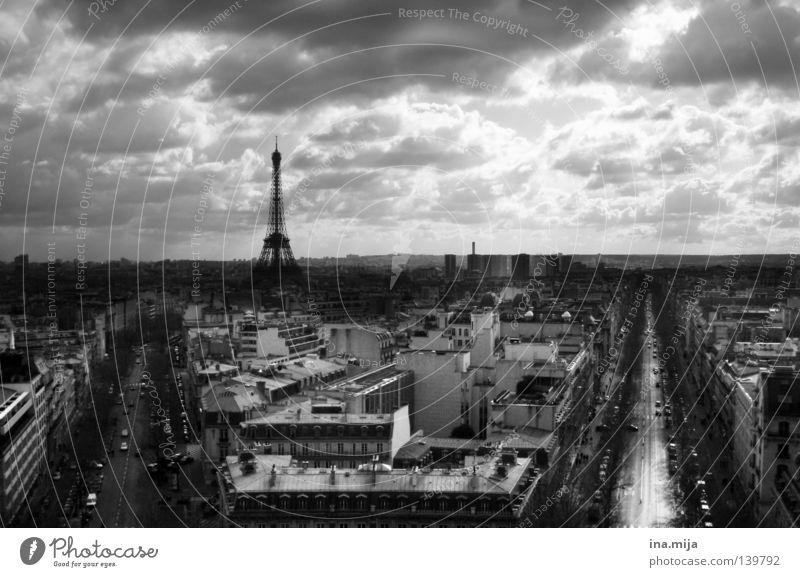 p_A_ris Ferne Städtereise Kultur Wolken Wetter Stadt Hauptstadt Stadtzentrum Altstadt Bauwerk Gebäude Architektur Wahrzeichen Denkmal Tour d'Eiffel Straße