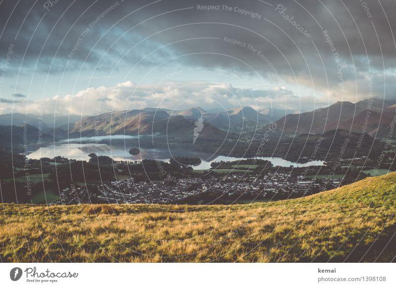One fine morning in England Himmel Natur schön Wasser Landschaft Wolken ruhig Ferne Berge u. Gebirge Umwelt Herbst Wiese Freiheit See Stimmung frisch