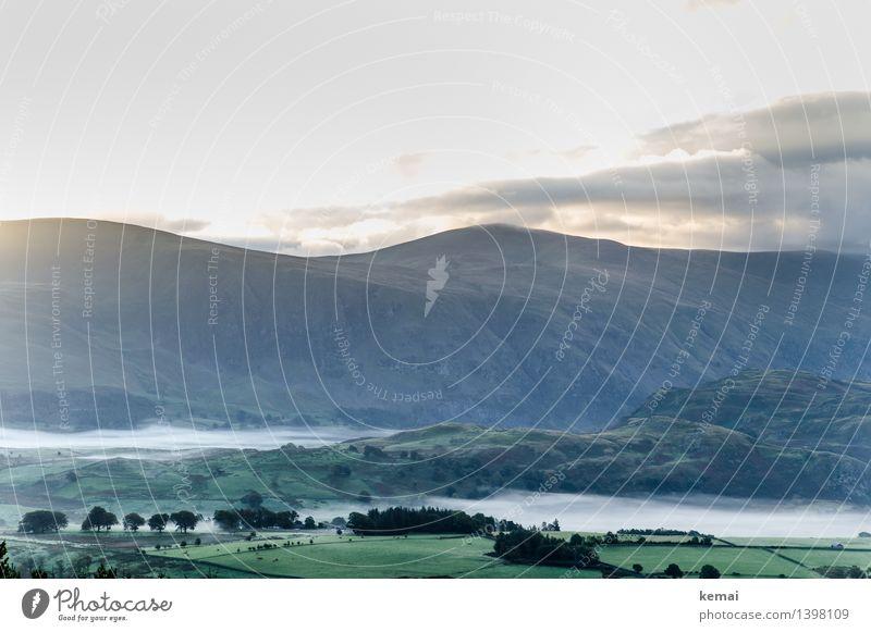Early morning Himmel Natur grün schön Sonne Baum Landschaft Wolken ruhig Ferne Berge u. Gebirge Umwelt Herbst Stimmung Feld Nebel