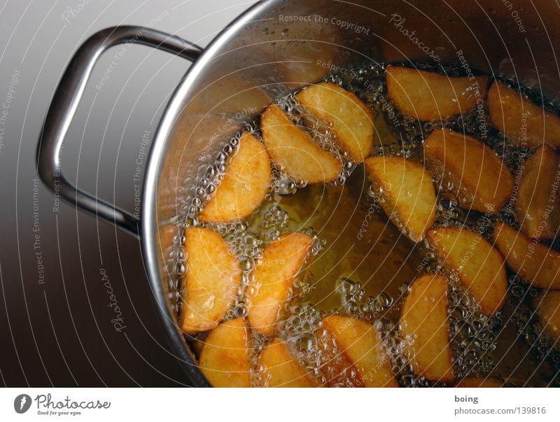 heiß und fettig gold Gastronomie heiß Erdöl Haushalt Fett Topf Spalte Snack Kartoffeln Fastfood Fingerfood Pommes frites Imbiss Öl Beilage