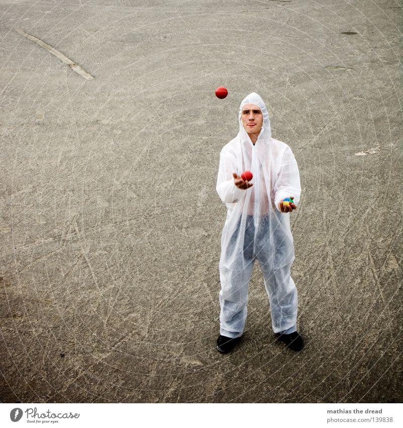 BALLKUNST Jugendliche weiß rot Freude Tier Spielen lustig Luft Feste & Feiern Freizeit & Hobby hoch gefährlich Elektrizität bedrohlich Ball genießen