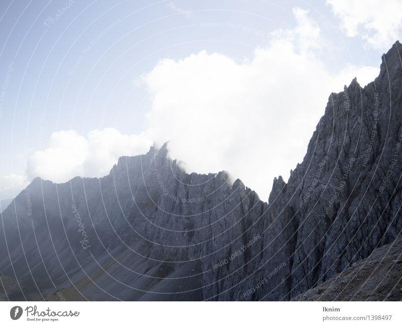 Felswand in den Bergen wandern Umwelt Himmel Wetter Schönes Wetter Unwetter Wind Felsen Alpen Berge u. Gebirge Achensee Österreich Karwendelgebirge Kalkalpen