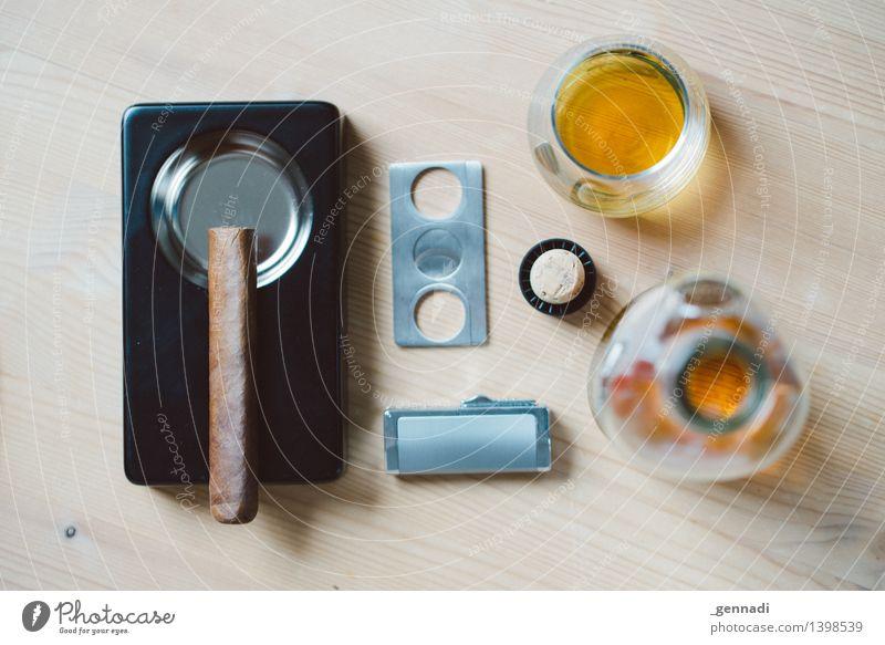 Men's World Lebensmittel Whiskey genießen maskulin Rauchen Zigarre Flasche Konsum Aschenbecher trinken Alkohol Gerät Männersache Farbfoto Menschenleer