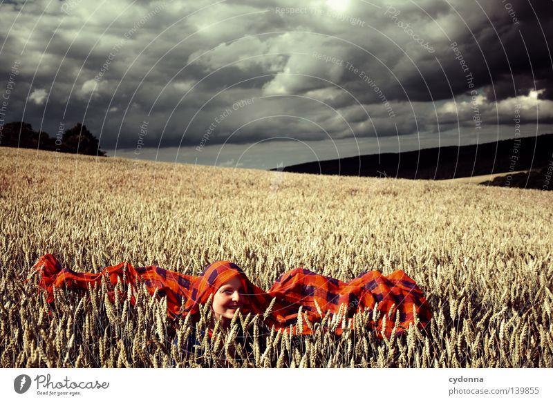 Im Kornfeld ... Frau Mensch Himmel Natur grün schön rot Sommer Wolken Wiese Leben Landschaft Haare & Frisuren Gras Bewegung Wärme