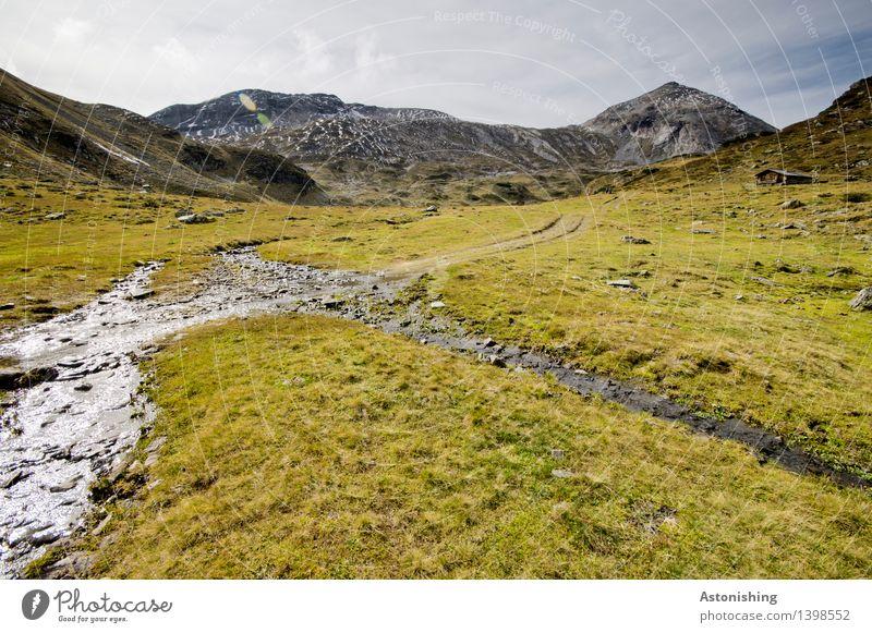 im Gebirge Himmel Natur Pflanze blau grün Landschaft Wolken Ferne Berge u. Gebirge Umwelt gelb Herbst Wege & Pfade Gras oben Felsen