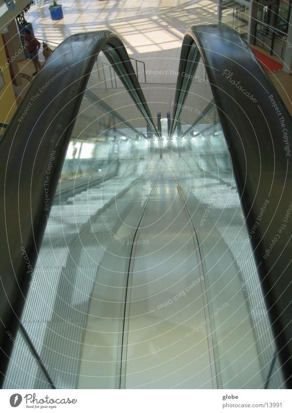 rolltreppe abwärts Architektur Glas Treppe Geländer Rolltreppe
