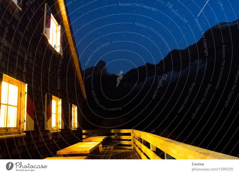 Hüttenzauber Landschaft Fenster Berge u. Gebirge Fassade wandern Europa Stern Warmherzigkeit Dach Schutz Sicherheit Alpen Vertrauen Wolkenloser Himmel Terrasse