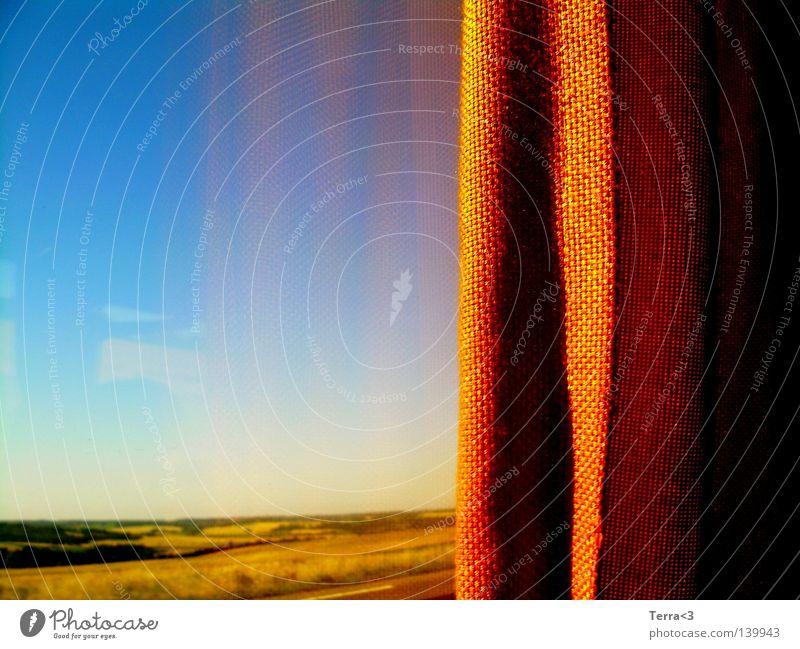 far away.. Fenster Reflexion & Spiegelung Reisebus Frankreich Ferien & Urlaub & Reisen fahren Vorhang gelb Gardine ruhig Einsamkeit Autobahn Ferne Wiese Feld