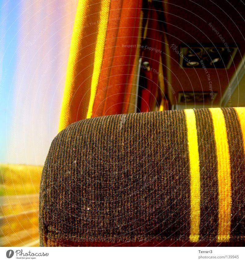 eine Busfahrt die ist lustig, eine busfahrt die ist schööön.. alt Ferien & Urlaub & Reisen Einsamkeit ruhig Erholung Ferne gelb Fenster Straße Wiese Wärme hell orange Feld Verkehr Ausflug