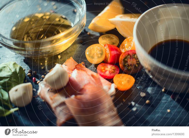 ein bisschen Mittelmeer für zuhause rot gelb Lebensmittel frisch Ernährung Kräuter & Gewürze Gemüse lecker Bioprodukte Schalen & Schüsseln Fleisch Tomate