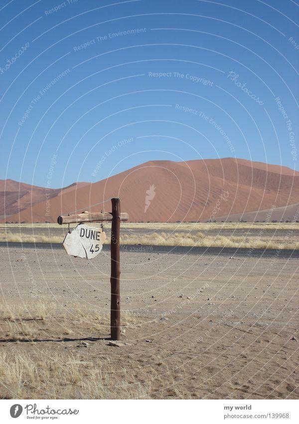 Düne 45 - Namibia Wüste Schilder & Markierungen Sand Himmel Physik Afrika Wärme