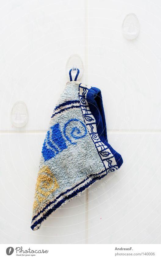 Waschlappen Erholung dreckig 3 Sauberkeit Bad Mitte Fliesen u. Kacheln hängen Körperpflege Haushalt Haken aufhängen Angsthase Wohngemeinschaft Frottée
